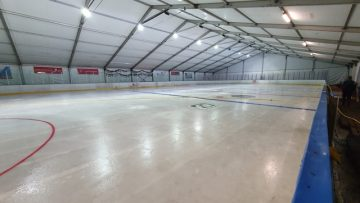 Hatvanban újra van jégpálya