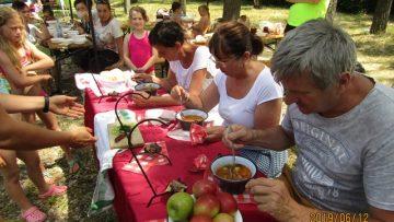 """""""Hadd főzzek ma magamnak!"""" – családi nap a Hatvani Szent István Általános Iskolában"""